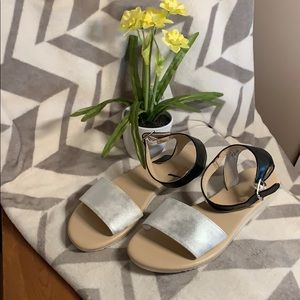 Trendy Black and white sandals